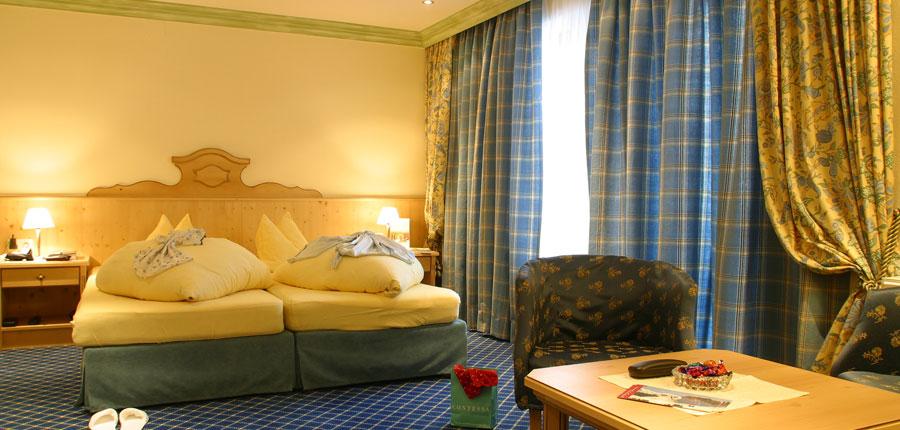 Austria_St-Anton_Sporthotel_st-Anton_Double-bedroom2.jpg